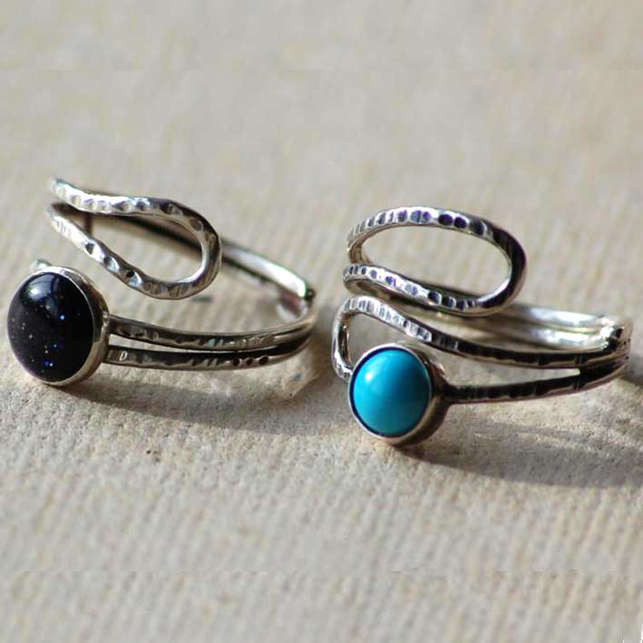 Double Scroll Rings