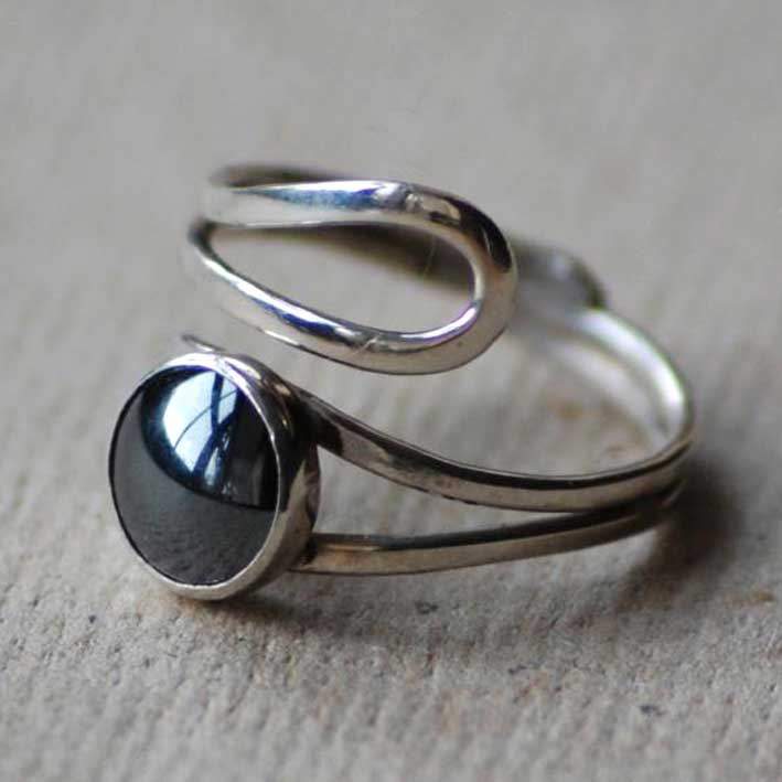 Double Scroll Ring